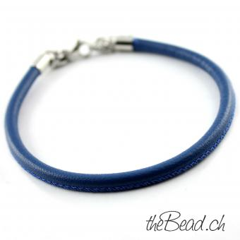 Anklet made of leather, blue