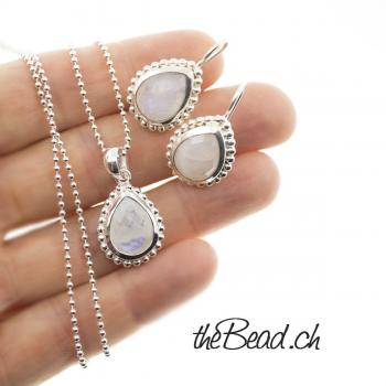 silver women jewellery set with moonstone