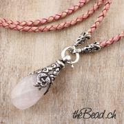rose quarz and leather necklace